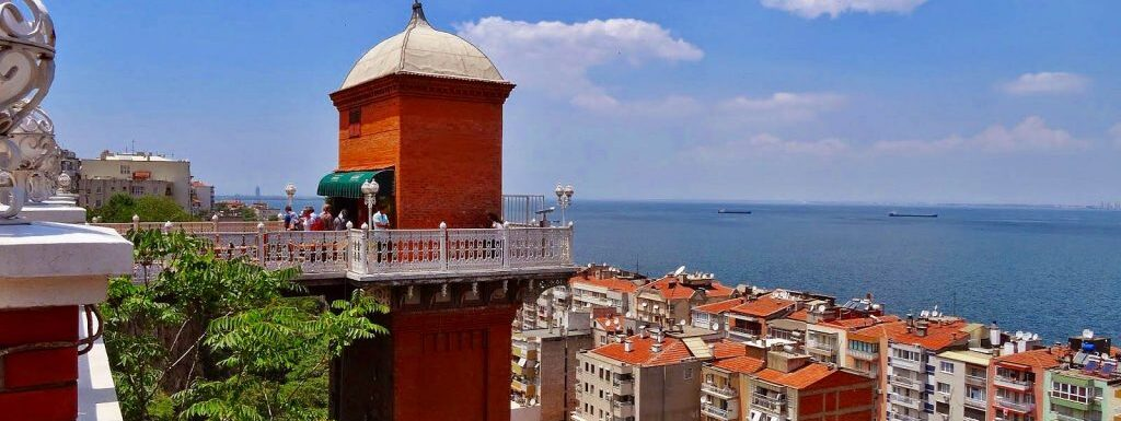 """Wonderful panoramic view of Izmir from the """"elevator tower"""""""